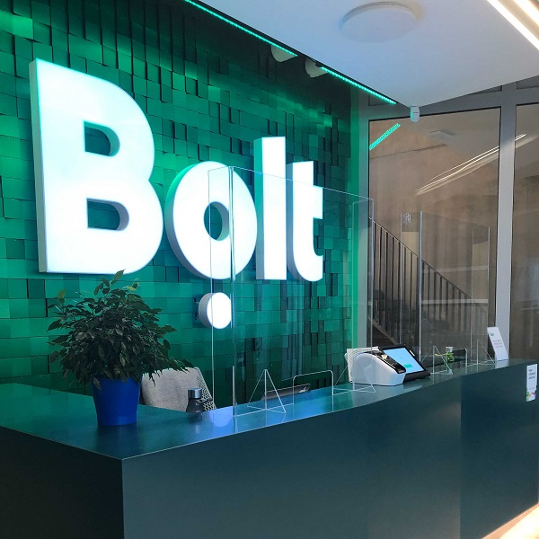 Customer experience – a protective wall in a Bolt head office